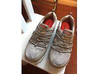 Women Skechers brand new size 5
