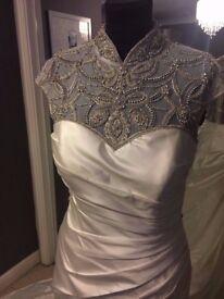 Brand New Gorgeous Wedding Dress (Ex Stock) Size 10