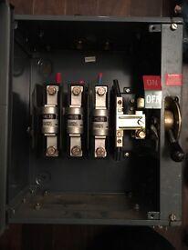 100 amp isolator