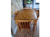 Beautiful traditional pine table and 4 chairs