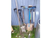 Garden tools/ shovels £10 the lot