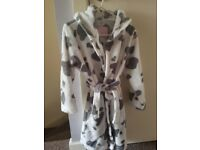 Girl's dressing gown + FREE fleece jacket size 7-8 years