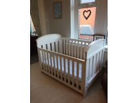 Boori Madison 3 in 1 cotbed. Ivory
