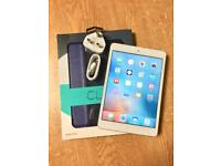iPad mini 32gb with new case and cables