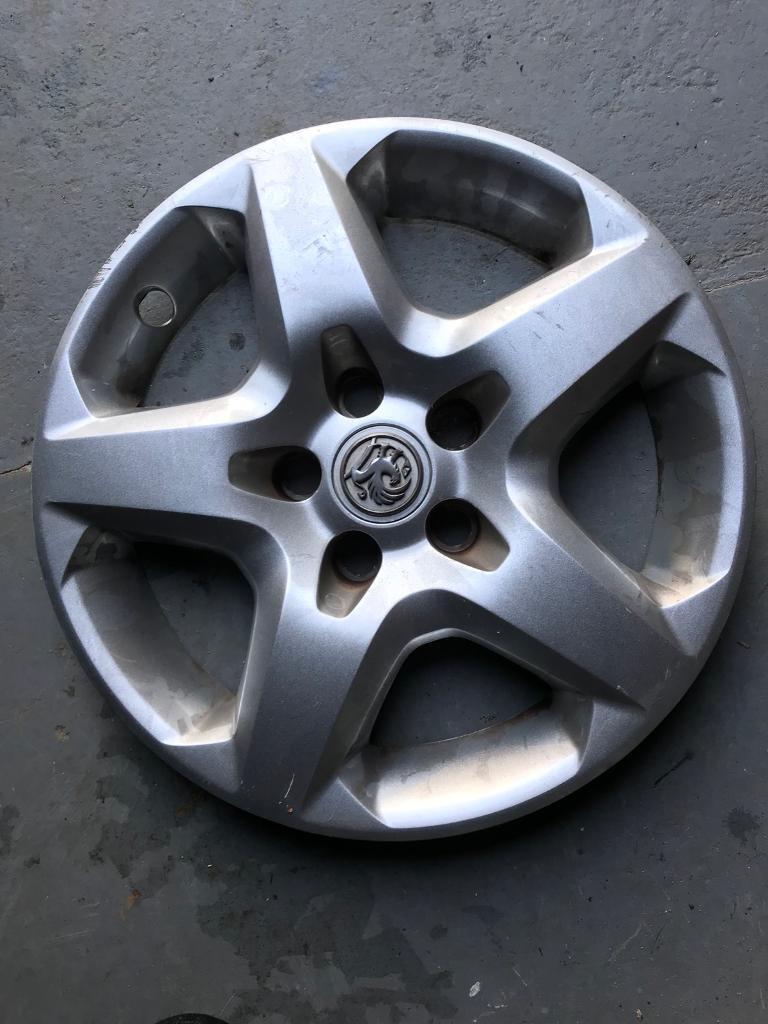 Vauxhall hub cap
