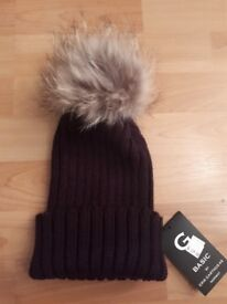 BEANIE HAT / CHUNKY KNIT WITH FUR BOB *NEW*
