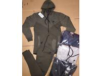 NIKE TRACKSUITS ALL SIZES AND COLOURS DELIVERY AVAILABLE