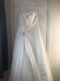 White rose ivory wedding dress