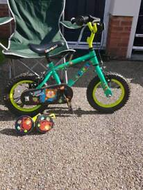 """Boys 12"""" bike with stabilizers ex condition"""