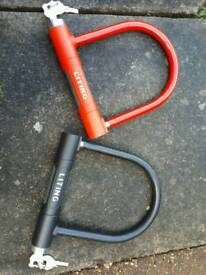 2 Strong bike locks