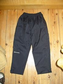 Sprayway Junior Rainpant Waterproof Trousers - worn once - perfect condition !!
