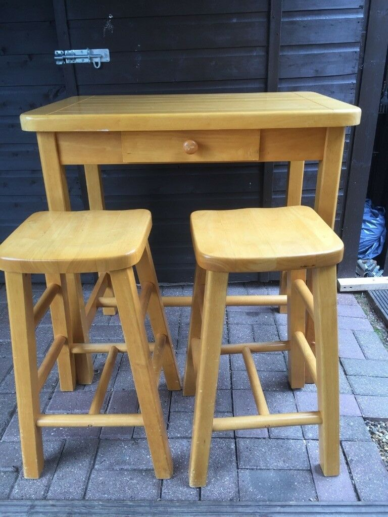 Admirable Breakfast Bar And Stools In Welwyn Garden City Hertfordshire Gumtree Squirreltailoven Fun Painted Chair Ideas Images Squirreltailovenorg