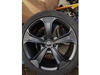 4x MOMO alloy wheels