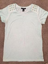 Mint forever 21 t shirt in small