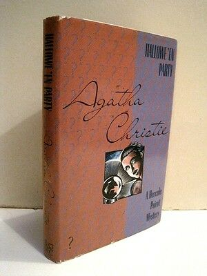 Hallowe'en Party: A Hercule Poirot Mystery by Agatha Chrisite (Hallowe En Party)
