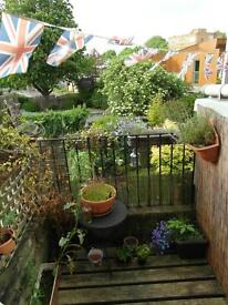 CLEAN & WARM DOUBLE ROOM – QUIET HOUSE – SAFE AND CENTRAL AREA - KENTISH TOWN