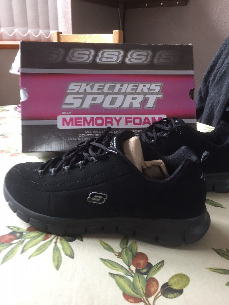 Ladies Sketchers Trainers UK size 8
