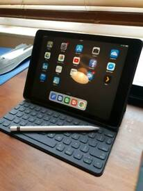 Ipad pro 9.7 32gb with accessories