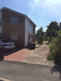 A well presented two bedroom property located in Headington, off London Road
