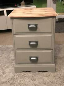 Stunning bedside table