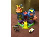 Playskool Weebles Weebalot Castle & Storybook with Characters.