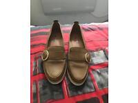 Size 4 tan heeled shoes
