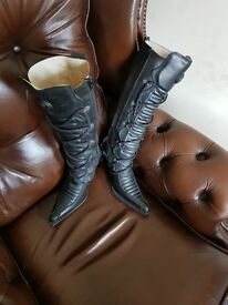 Womens size 5 new rock boots