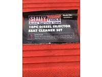 Diesel injector seat cleaning kit