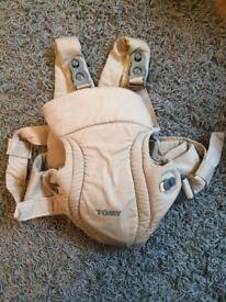 Tomy baby carrier (cream)