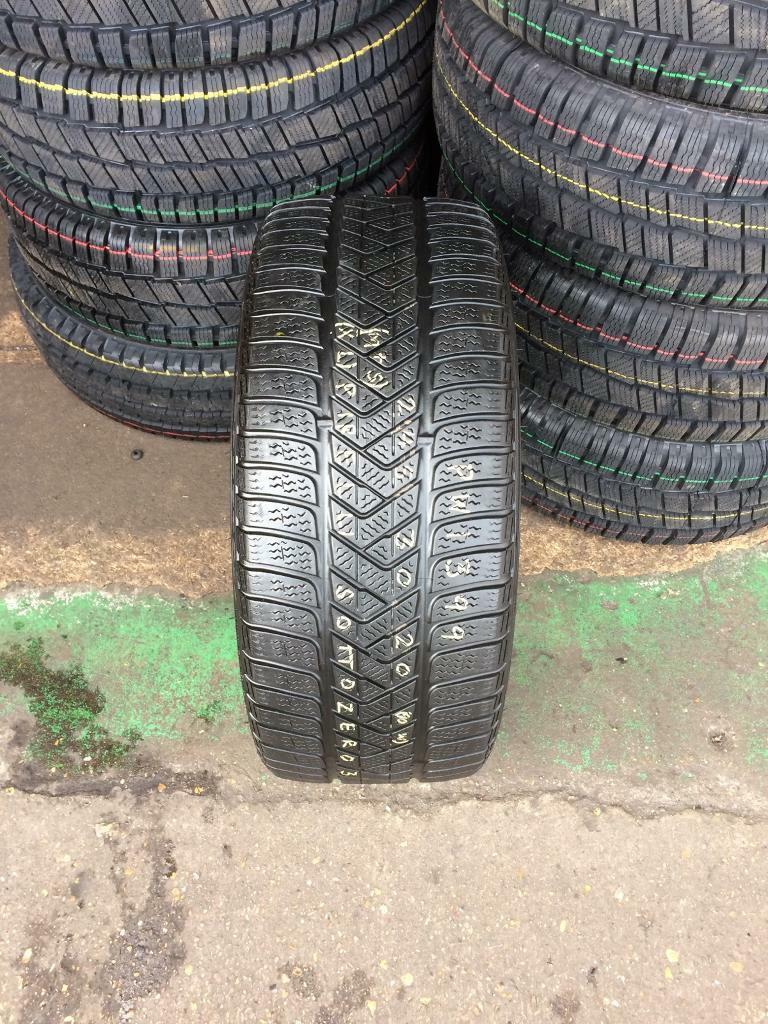 245 30 20(90W) Pirelli Sottozero 3 M+S XL Tread 4.5mm-5.5mm