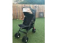 Maclaren Techno XT pram in black/silver.