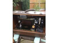 Antique Singer 99K Sewing Machine In It's Case
