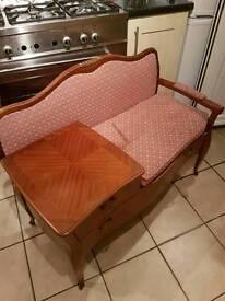 A stunning telephone seat