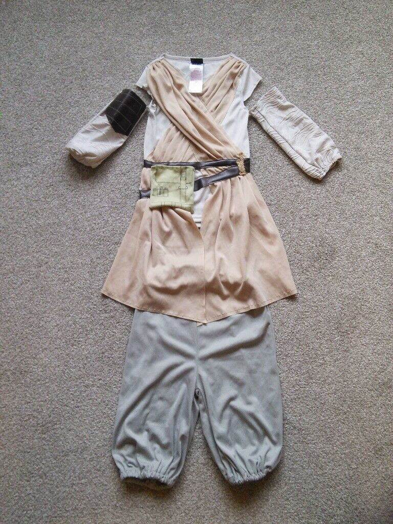 Star Wars Deluxe Rey Dressing Up Costume 5 - 6 years