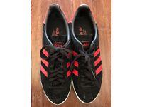 Men's Adidas Original Topanga in Black/red UK 9
