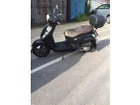 125cc scooter Sym aw12w fiddle 11 125s with mot may 2017