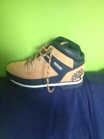 Boy timberland boot (new)