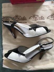 Vintage Renata Italian leather shoes - size 5