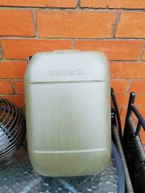 Trakker water container