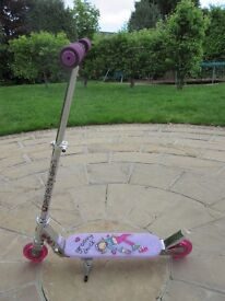 Child's / Girl's Bang on the Door Groovy Chick Folding Inline Scooter – Good Condition