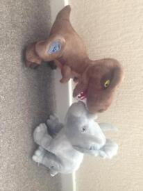 2 jurassic world dino toys