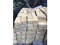 830 x Yellow Modern Bricks