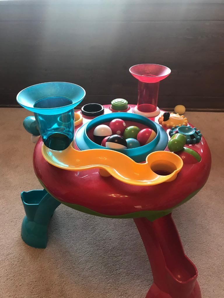 def06db5c Little Senses Lights and Sounds Activity Table
