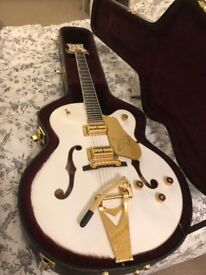 Gretsch G6136T-WHT Players Edition Falcon with String-Thru Bigsby - White