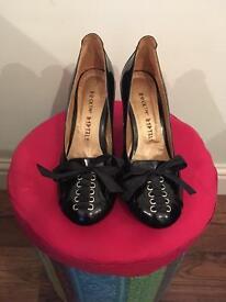 Designer shoes never worn SIZE 6