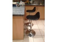 2 - BREAKFAST BAR SWIVEL ADJUSTABLE CHAIRS/STOOLS