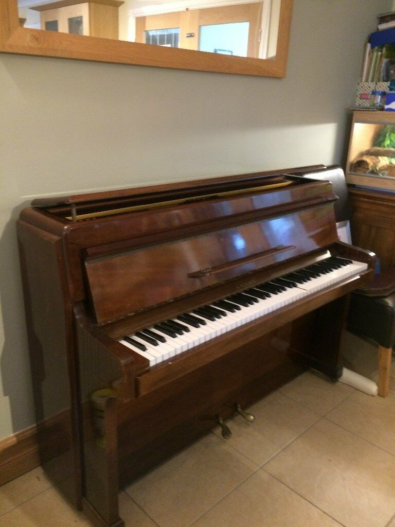 """Piano. """"Knight"""" upright 