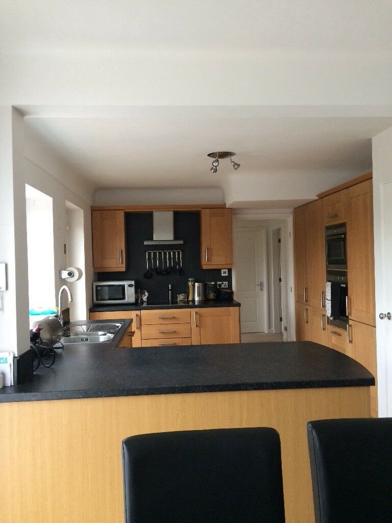 Maple Wood Shaker Fully Fitted Kitchen Includes All Appliances
