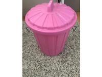 Small pink bin