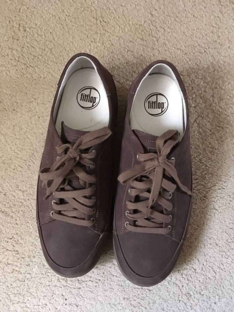 22253d8eeee Mens UK size 9 EU 43 brown lace up fitflops shoes